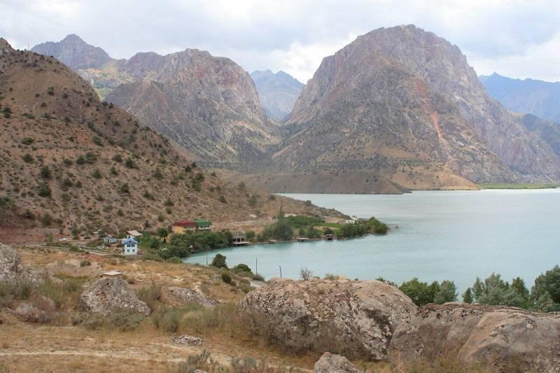 Фанские горы, озеро Искандеркуль